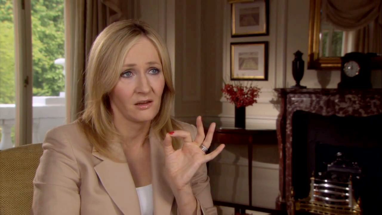 J.K. Rowling: the hands & handprints of the UK author! (Harry Potter) Harrypotter7part2_jkrowling_hd